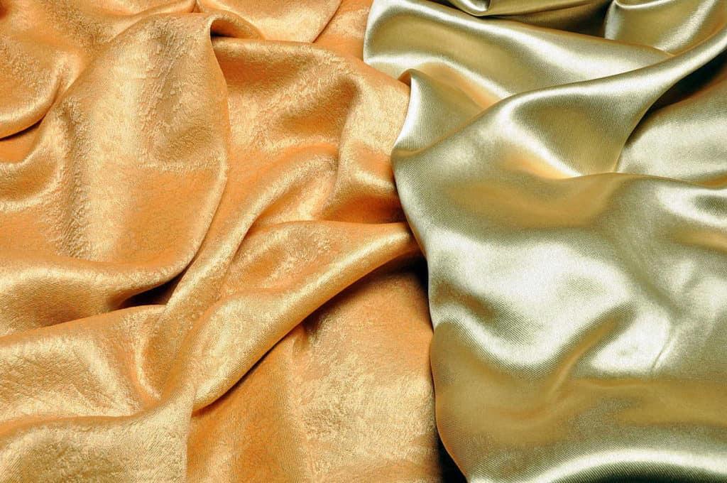 arany színű szatén - dekor sötétítő függöny