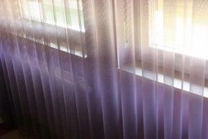 Fényáteresztő függöny - 290cm magas és 10 színárnyalatú.