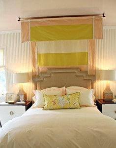 Baldachin egyszerű megoldással, látványos a hatása, ha befuttatjuk az ágy mögé!