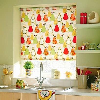 Élénk, modern gyümölcsmintás konyhai textil, a legtöbb már roló készítésre is alkalmas. Dekoratív megoldás.