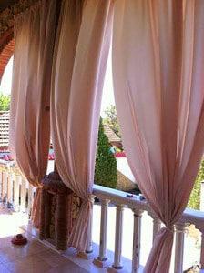 Kültéri terasz függöny dekor anyagból