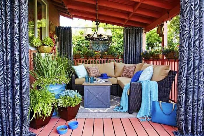 Színes dekorok - párnák, huzatok, terasz függönyök.