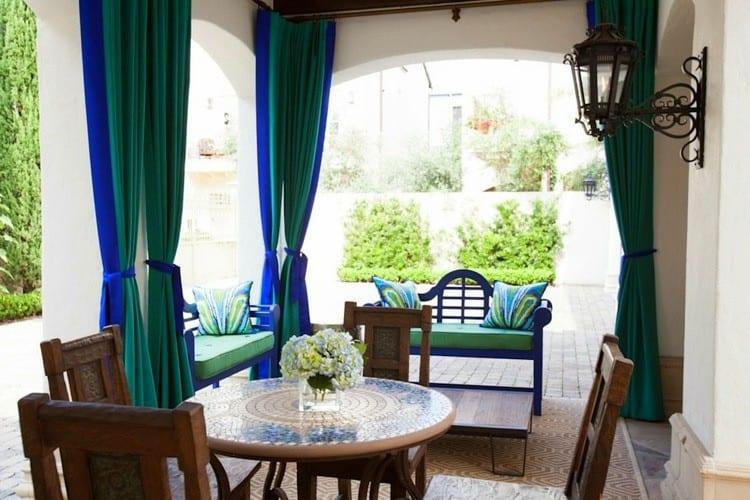 Elegáns terasz textilek, díszít és funkcionál is egyben - tökéletes!