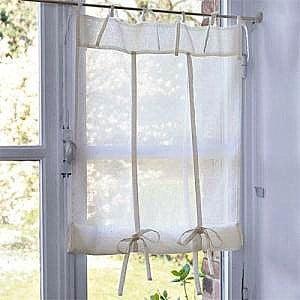 Egyedi fazonú natúr vitrázsfüggöny, batiszt anyagból.