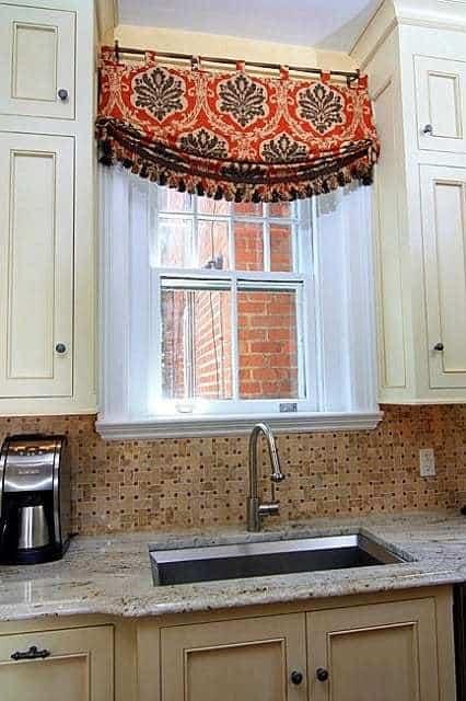 Konyhai függöny kisméretű ablakokra 32