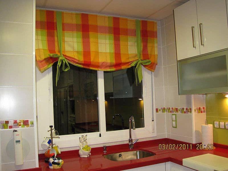 Konyhai függöny kisméretű ablakokra 24
