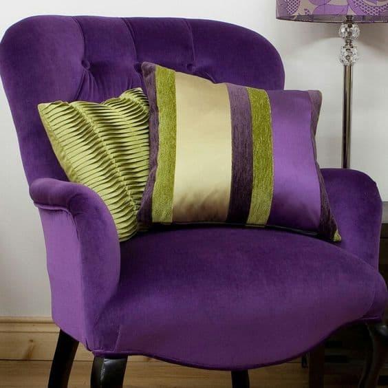2018 év színe az ultra violet_élénk lila (101)