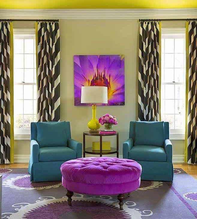 2018 év színe az ultra violet_élénk lila (57)