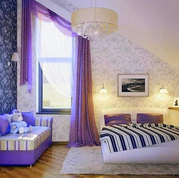 2018 év színe az ultra violet_élénk lila (60)